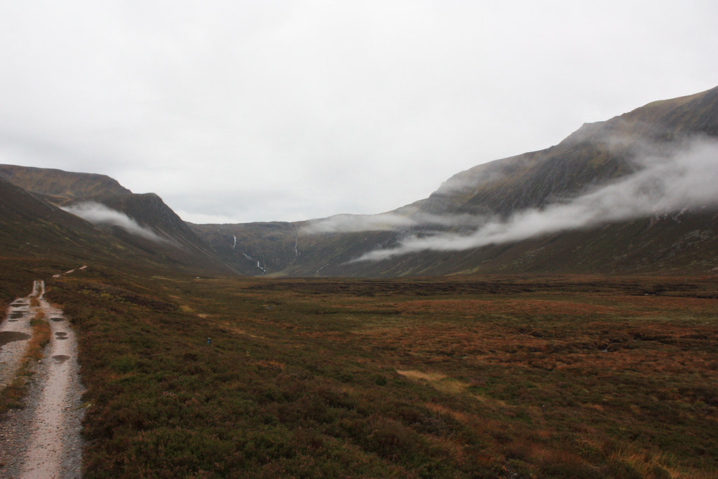 Towards Loch EInich