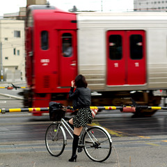 (TRUE 2 DEATH) Tags: street railroad woman motion bike japan train focus pentax kyushu railroadcrossing  nishikokura