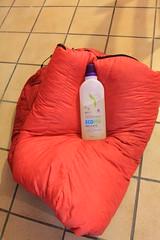 Cleaning a down sleeping bag (Steve Behaeghel) Tags: sleeping bag down cleaning