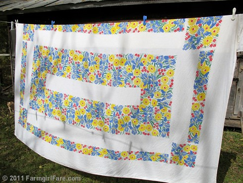 Vintage spring linens on the autum laundry line 5 - FarmgirlFare.com