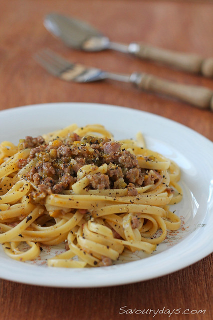 Linguine with beef & pumpkin sauce