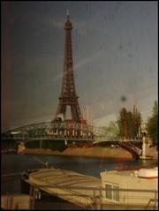 Eiffel Tower thru bus window pv994