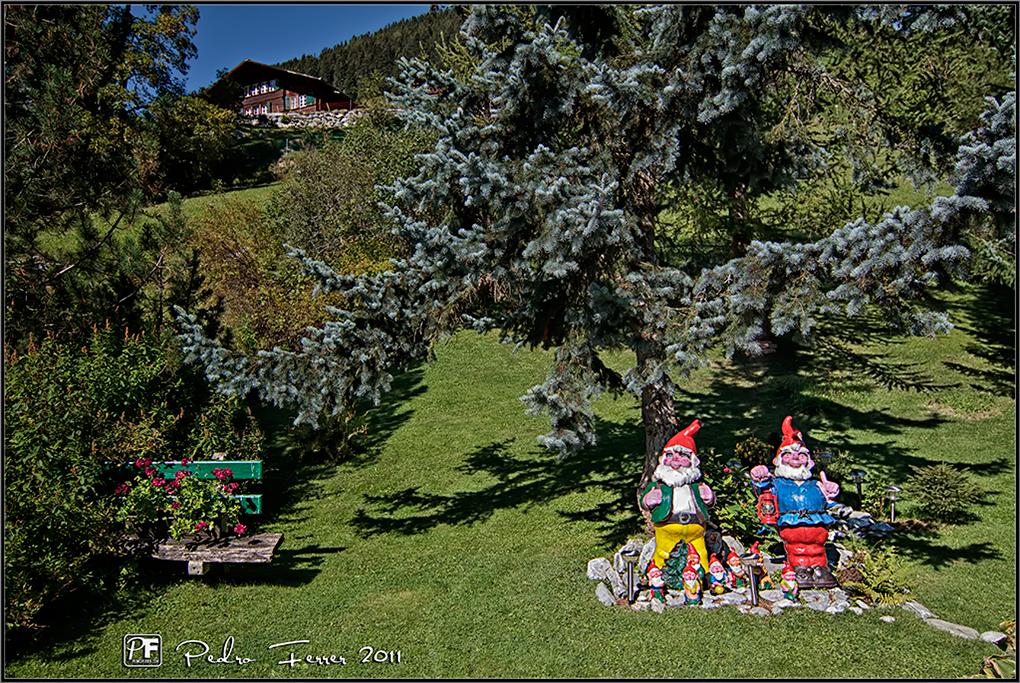 Suiza - Pueblos con encanto - Gimmelwald - El jardín de los enanitos