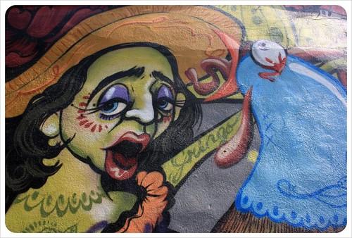 montreal street art lady
