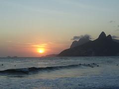 Pr do sol no Arpoador (Guersoni) Tags: riodejaneiro cristo podeacar urca ipanema leblon
