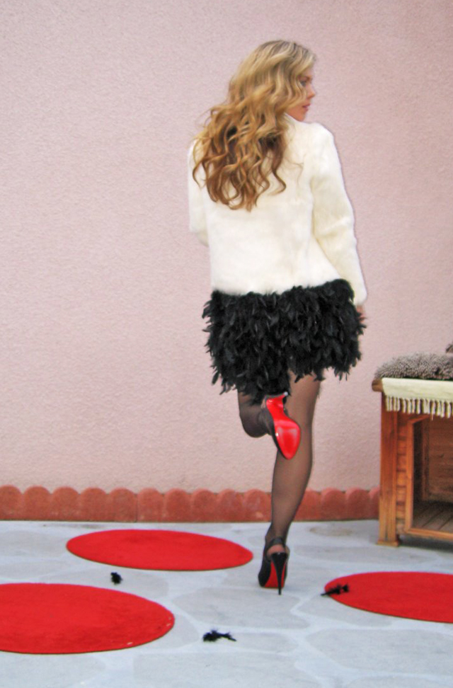 loveMaegan-Louboutin-featherLBD-8, hair tutorials, waved hair, long hair, feather skirt diy