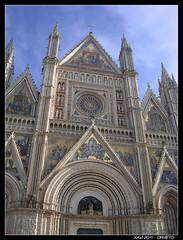 Duomo di Orvieto (xavi_NowINikon) Tags: italy art church town italia village arte cathedral mosaic small churches medieval duomo borgo medievale umbria cattedrale orvieto