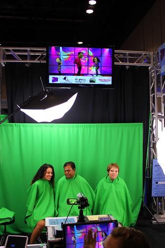 Green screen head dancing