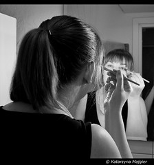 Another Mirror Scene (Danio ()) Tags: blackandwhite bw white black blancoynegro monochrome photography monocromo foto noiretblanc monochrom fotografia danio czarne biae  czarnobiae czarnobialy schwarzundweis   monochromepicture fotografiaczarnobiaa   katarzynamajgier