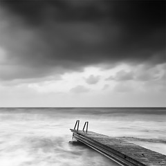 Unstable and Dangerous Pier (DavidFrutos) Tags: longexposure sea costa seascape beach water monochrome clouds square landscape monocromo coast mar agua playa paisaje alicante filter le lee nubes canondslr 1x1 torrevieja filtro largaexposicin filtros gnd nd8 neutraldensity canon1740mm gnd8 graduatedneutraldensity davidfrutos cabocervera spiritofphotography 5dmarkii niksilverefexpro bwnd8 inspiredchoice singhraygallenrowellnd3ss