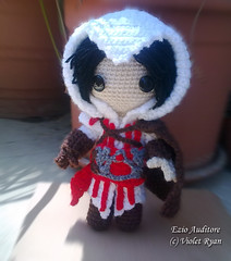003 (violet ryan) Tags: doll crochet amigurumi creed ezio assassins auditore sackboy