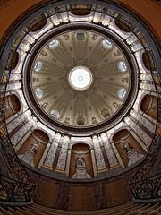 ... rund gang ... (Claudia L aus B) Tags: berlin museum fisheye treppe bode dach rund oben museumsinsel bodemuseum kuppel geländer hoch treppengeländer verziert ©claudialeverentz kleinekuppel