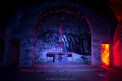Painting with light in abandoned church (Rafael Llesta) Tags: elalamin