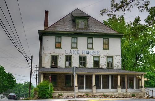 02 lake house