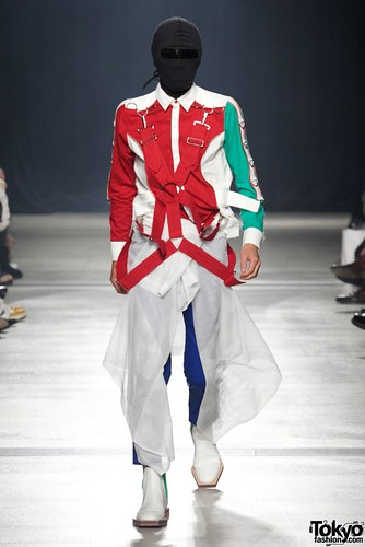 Banal-Chic-Bizarre-Menswear-Japan-Fashion-Week-2012-SS-033-600x899
