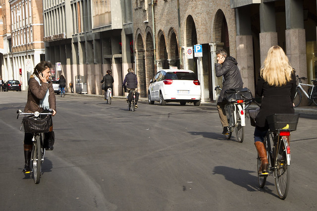 Ferrara Cycle Chic - Where are you? Oh, right there...