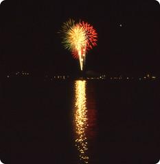(John J. Genna) Tags: america freedom unitedstates fireworks pennsylvania celebration fourthofjuly patriotism independenceday carboncounty splitrockresort lakeharmony kodakkodachromeprofessional25 pkm5034