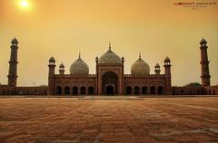 Badshahi Mosque, Lahore, Pakistan (HDR) (Usman Hayat) Tags: pakistan nikon mosque lahore hdr hayat usman nikkon badshahi d7000 uhayat