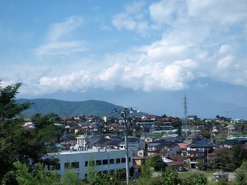 町の向こうは日本アルプス