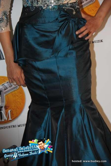 Gambar Ziana Zain di Anugerah Industri Muzik 18