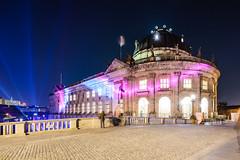 delightful lights (Tafelzwerk) Tags: bridge berlin museum night dark boot boat nikon ship nacht festivaloflight bode brcke schiff festivaloflights dunkel lichter museumsinsel dunkelheit bodemuseum d7000 nikond7000 tafelzwerk tafelzwerkde