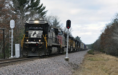 Not the usual SD70M... (Philip_Martin) Tags: up wisconsin adams pacific sub union line wi sbdivision