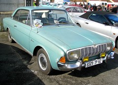 Ford Taunus 20M TS Hard Top bleue (gueguette80 ... non voyant pour une dure indte) Tags: old mars cars ford top hard exposition german autos bourse taunus ts 2012 bleue arras anciennes 20m allemandes