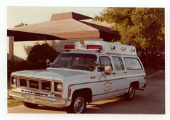 Richardson, Texas Fire Dept.- 1975 Chevy/Summers Coaches, MICU (reserve) (Dr. Mo) Tags: chevrolet texas ambulance 1975 emergency firefighter ems firedepartment summers richardson procar micu drmo robertknowles