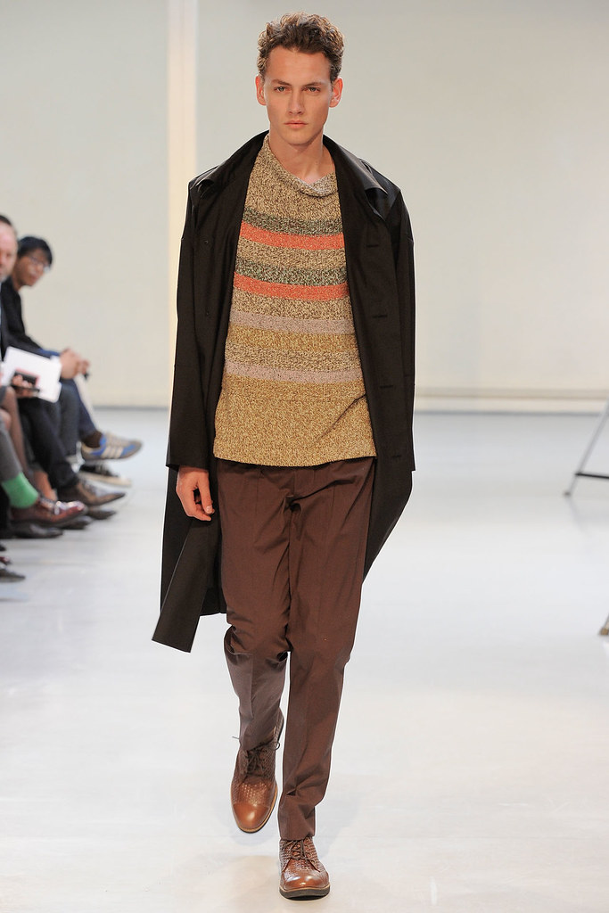 Jakob Hybholt3888_SS12 Paris Issey Miyake (Homme Model)
