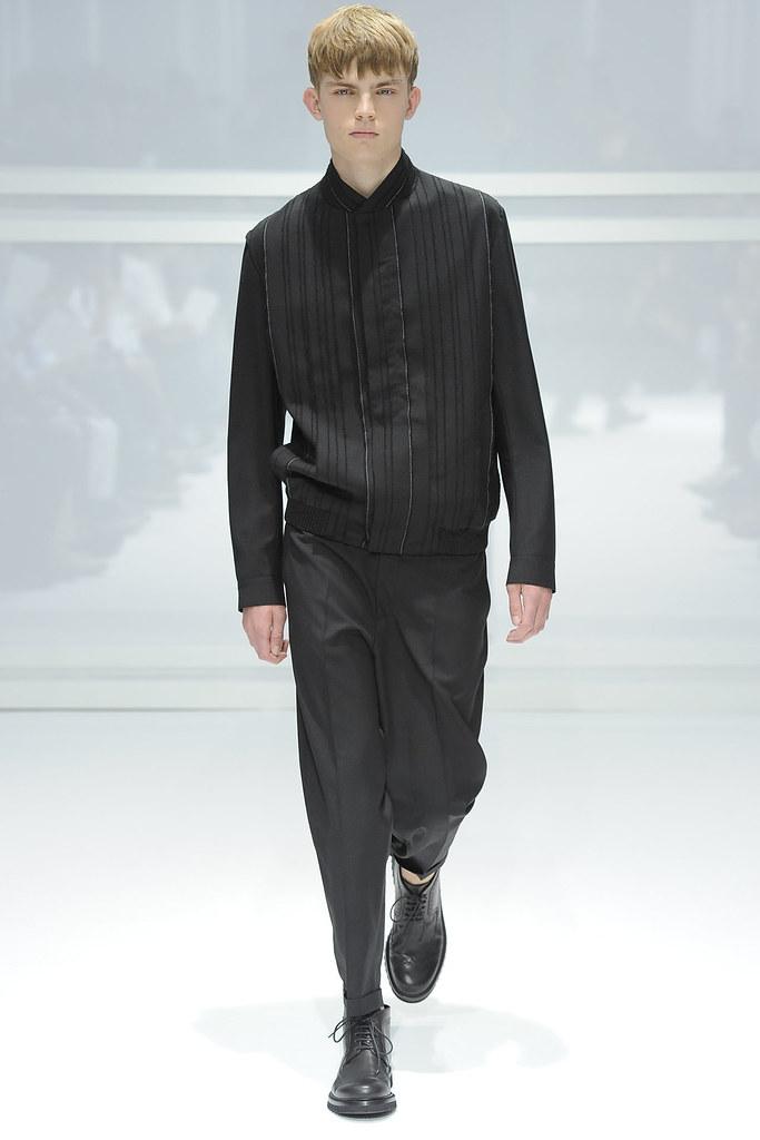 Timothy Kelleher3100_SS12 Paris Dior Homme(VOGUEcom)