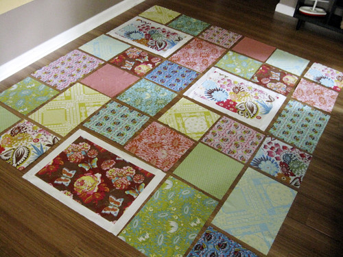 Loulouthi Tiles quilt layout