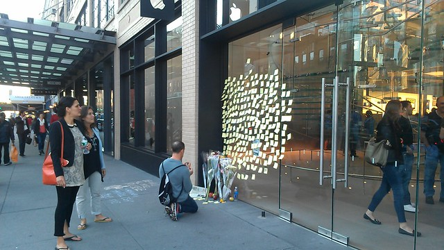 Apple Store memorial in the Meatpacking District cc @amNewYork