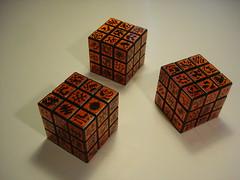 Koleo's cubes (Koleoptere) Tags: california orange paris les square oakland sticks stickers plastic cube sparkling rubiks organs rubik sous koleo koleoptere