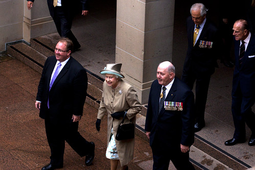 The Queen visits the Australian War Memorial 25/10/2011
