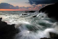 Brave Waves  #EXPLORED 291 (tpeñalver - www.tomaspenalver.es) Tags: mediterraneo waves alicante 7d olas torrevieja cabocervera tokina1116 hitechrvnd09