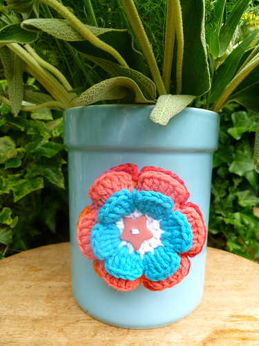 Crochet Flower Brooch...