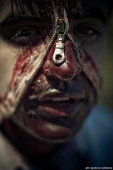 Zombie (IX) (i-nacho) Tags: argentina 50mm buenosaires nikon zombie walk f14 centro nikkor vivo marcha muerto camina 2011 d90 inacho zombiewalk2011