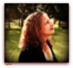 ~~ Thanking God ~~~ (stephgum32807) Tags: mulher frau mywife moglie żona زوجة eiginkona handselectedphotographs 妻子;太太;夫人;已婚婦女