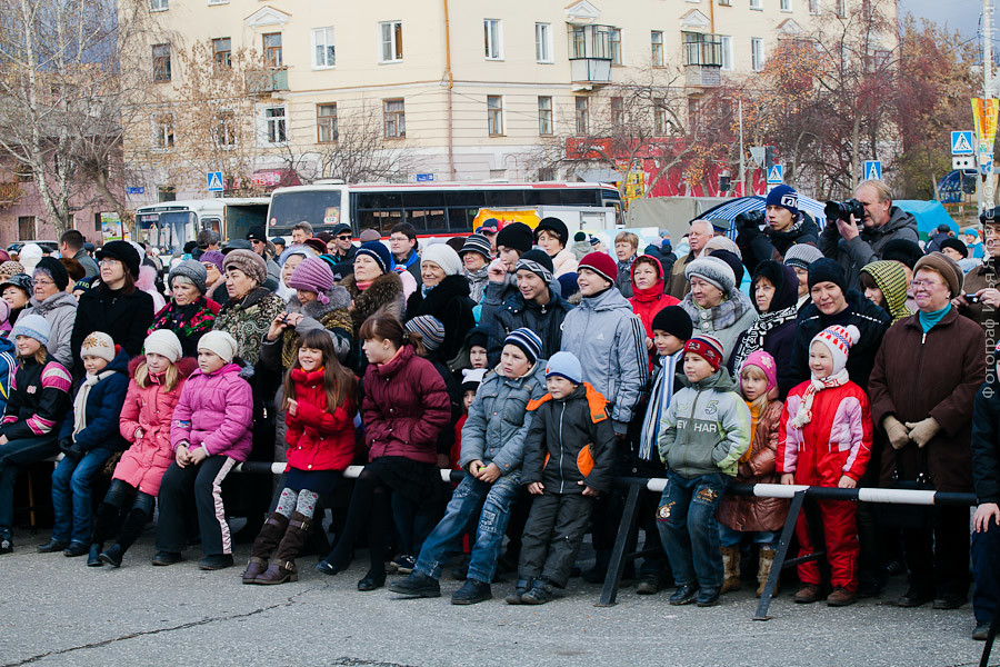 20111104-0121-Chebarkul-festival-pelmeney