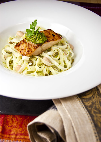 Seared salmon fillet with pumpkin-seeds pesto