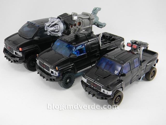 Transformers Ironhide DotM Voyager - modo alterno vs 2007 vs HftD