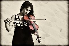 Sindhu. (Prabhu B Doss) Tags: b portrait music india art girl canon sand women dunes violin 7d sindhu prabhu doss prabhub prabhubdoss zerommphotography 0mmphotography