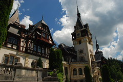 "Peles Castle <a style=""margin-left:10px; font-size:0.8em;"" href=""http://www.flickr.com/photos/64637277@N07/5890698681/"" target=""_blank"">@flickr</a>"