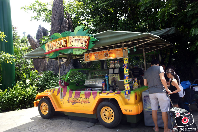 JURASSIC-PARK-UNIVERSAL-STUDIOS-SINGAPORE-jungle-bite