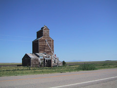 Barn/Silo (manonthestreetdotcom) Tags: barn farm heartland manonthestreet