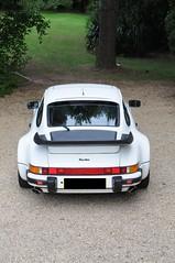 Porsche 911 Turbo (MixedGrill) Tags: white classic sports car nikon 911 turbo porsche 930 d300