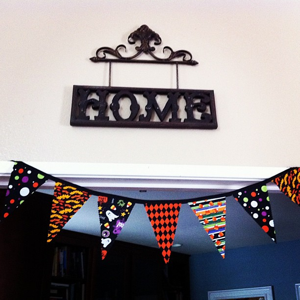 Project 365 275/365: My Halloween bunting is done & hung up. I made 3 for the house. I outsourced the sewing to @ragstostitches. Thnx Alissa!