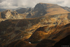 Autumn in Rila mountain (.:: Maya ::.) Tags: park mountain clouds autum parks peak bulgaria rila national pan       malyovitsa    mayaeye mayakarkalicheva  wwwmayaeyecom