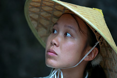 Yunnan , Shilin : the portraits #4 (foto_morgana) Tags: china portrait people girl asian asia yunnan shilin stoneforest conicalhat
