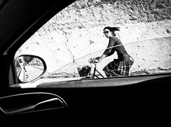 Carwindow Project (Francesco Baldiotti) Tags: blackandwhite woman girl bike mobile wall hair streetphotography bn explore mobilephone inside bycar peopleinblackandwhite explored urbanvision circolofotograficomicromosso carwindowproject francescobaldiottiphotos